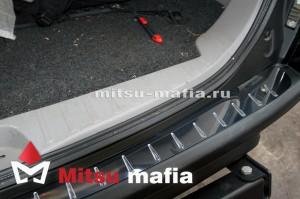 Накладка на задний бампер Pajero Sport 2 Паджеро Спорт 2