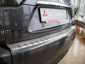Накладка на задний бампер с загибом Outlander 2 XL Аутлендер 2 ХЛ